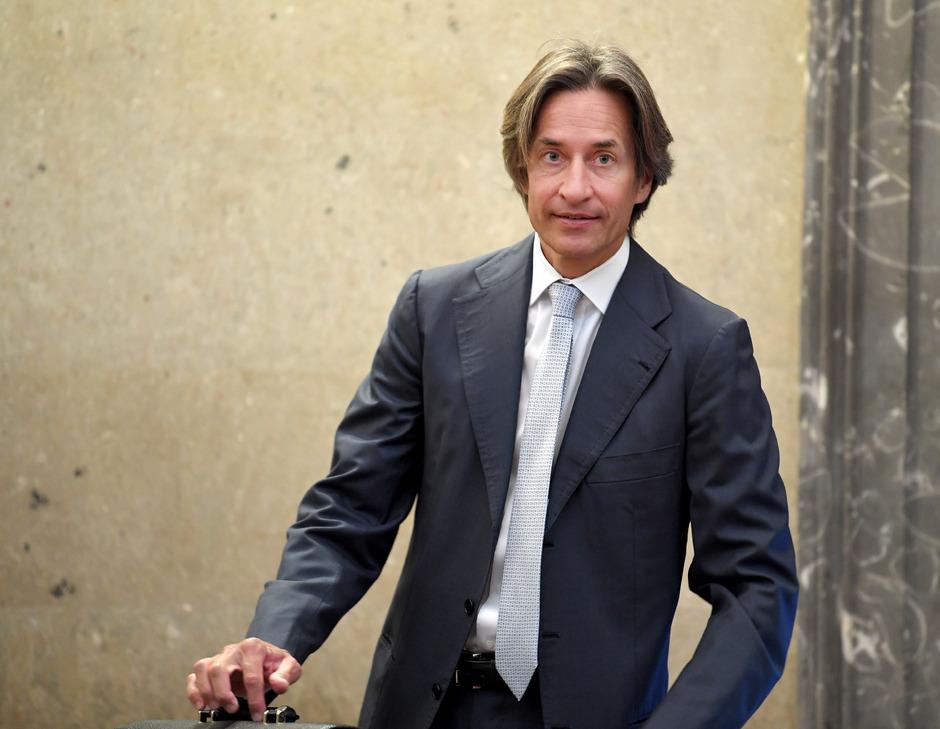Der Angeklgte Karl Heinz Grasser im Rahmen des Strafprozesses.