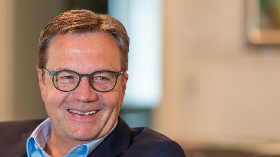 Keinen Zeitdruck für überhastete Koalitionsgespräche, geschweige denn eine Regierungsbildung, sieht derzeit Tirols Landeshauptmann Günther Platter (ÖVP).