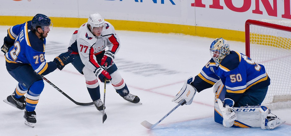 T.J. Oshie und die Washington Capitals setzten sich in der Verlängerung gegen die St. Louis Blues durch.