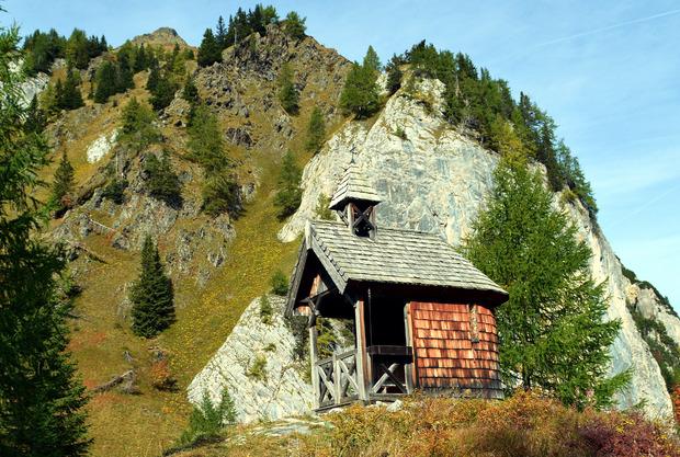 Nach den 450 Stufen erreicht man die Prinz-Heinrich-Kapelle, die 1916 errichtet worden ist.