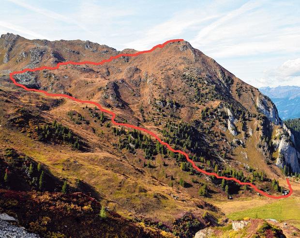 Die rote Linie zeigt den Aufstiegsweg: vom Obstanser Boden bis zum Gipfel der Gatterspitze.