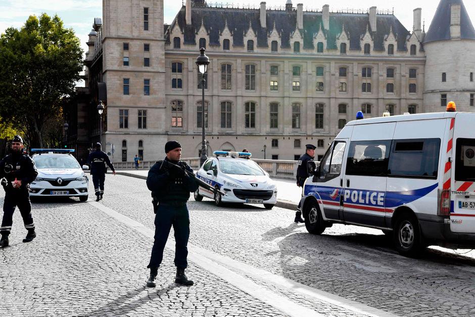 Die Pariser Polizeipräfektur wurde zum Tatort.
