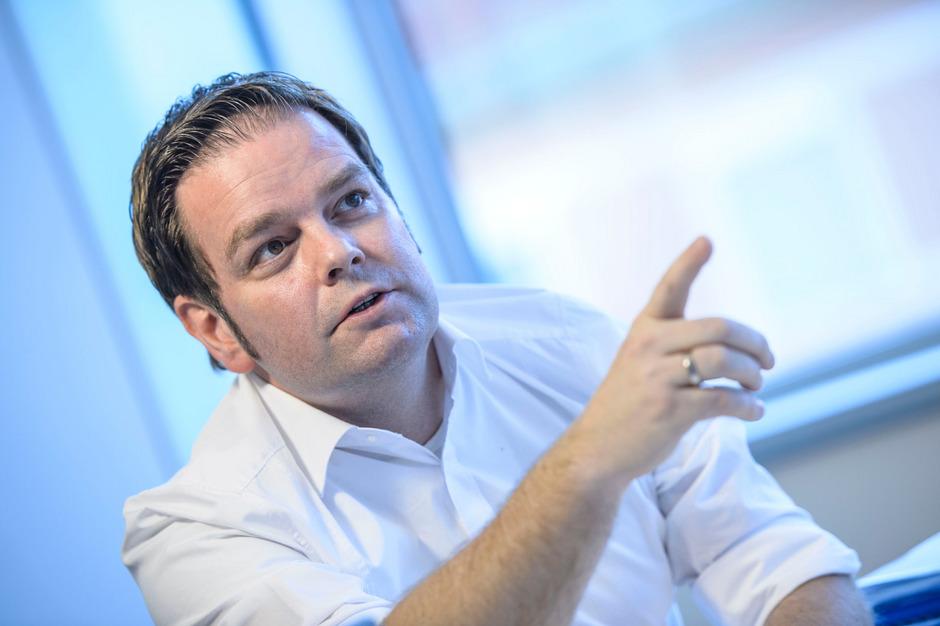 Tirols FPÖ-Chef Markus Abwerzger will sich jetzt verstärkt als Bürgeranwalt positionieren. Der Bundespartei empfiehlt er eine schonungslose Selbstreinigung und den Gang in die Opposition.