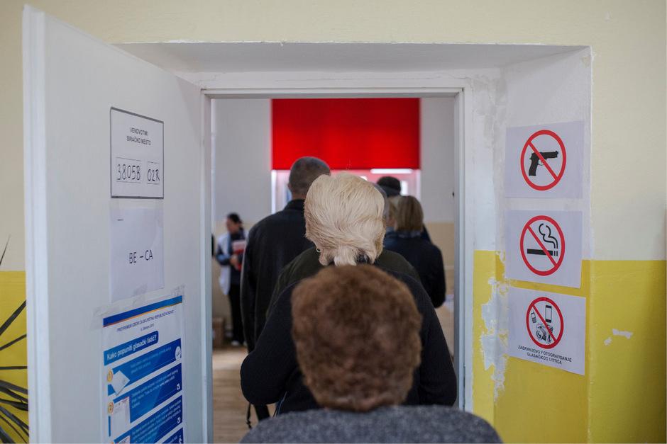 Die Wahl wurde erforderlich, weil der seit 2017 amtierende Regierungschef Ramush Haradinaj im Juli zurückgetreten war.
