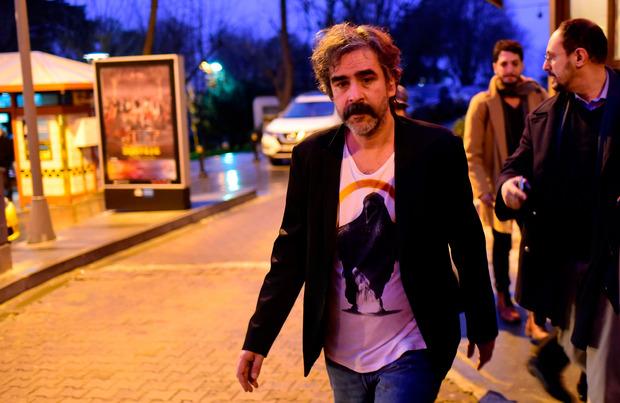 Deniz Yücel bei seiner Freilassung.