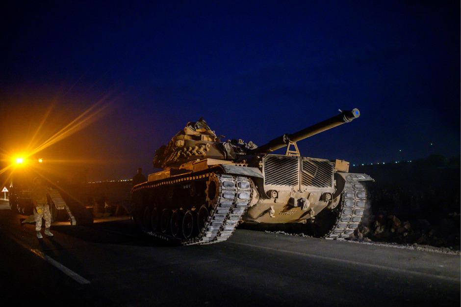 Ein türkischer Panzer an der Grenze zu Syrien.