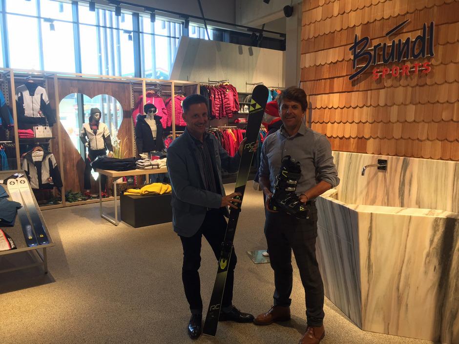 Christoph (l.) und Bernhard Bründl: 70 Prozent des Umsatzes in Tirol erwirtschaftet die Sporthandelskette mit den Urlaubern.