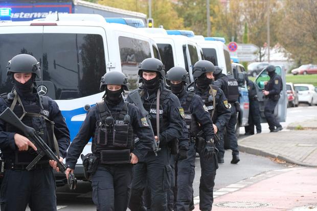 Großeinsatz der Polizei in Halle.