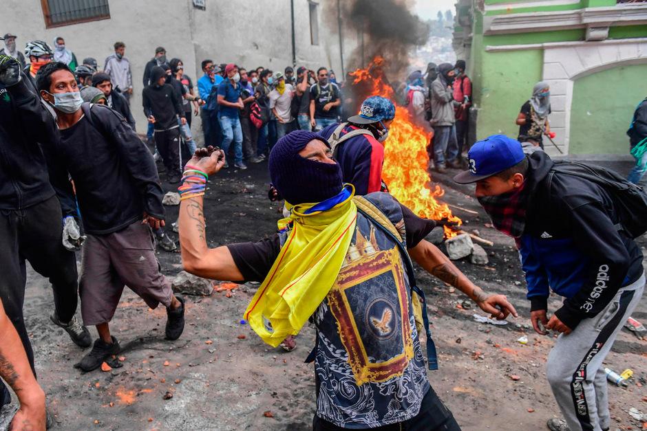 Die Proteste gegen die hohen Treibstoffpreise schlagen immer wieder in Gewalt um.