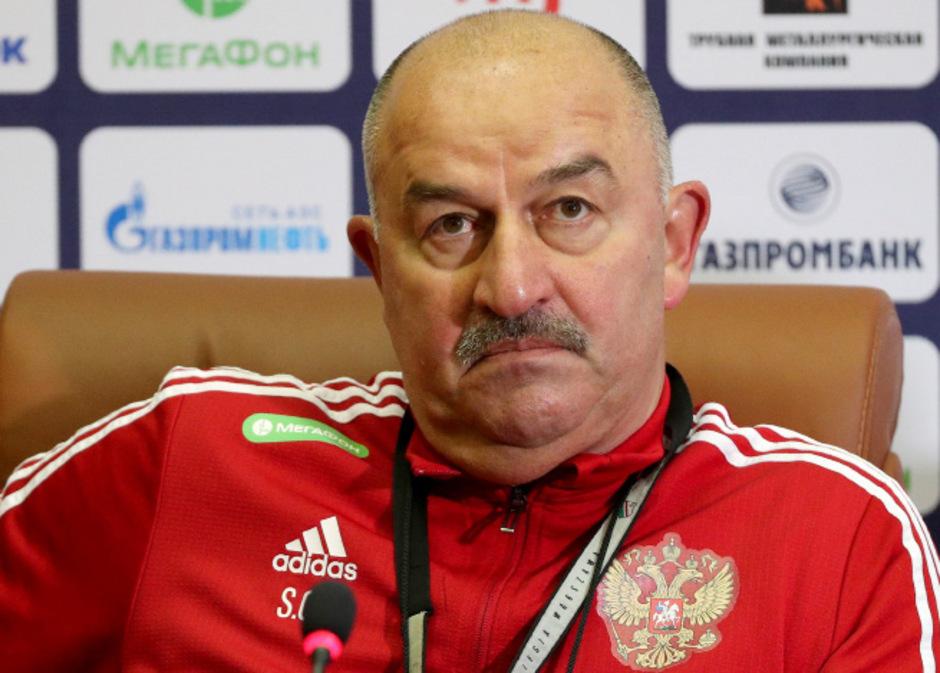 """Tschertschessow steht mit Russland vor der Qualifikation für die EM 2020. Der """"Stani"""" wird trotzdem ein Ruhepol bleiben."""
