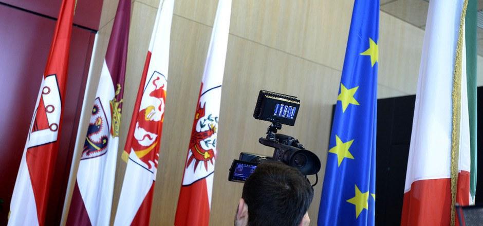 Der Dreierlandtag nächsten Mittwoch in Meran steht bereits jetzt im Blickpunkt. Für die Tiroler Abgeordneten stellt sich die Sinnfrage.