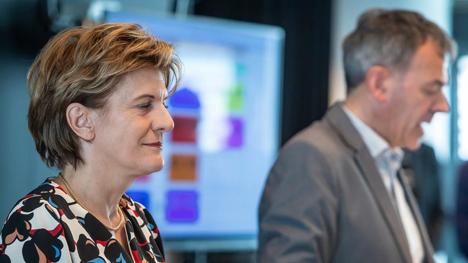 Christine Oppitz-Plörer zu Beginn der Gemeinderatssitzung am Donnerstag.