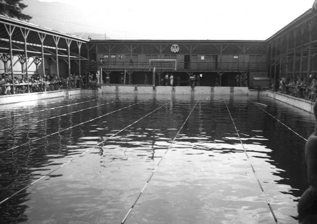 Das einstige Freischwimmbad in der Höttinger Au, gefüllt mit Innwasser und meistens eiskalt.