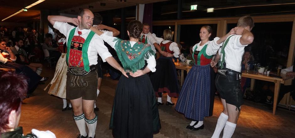 Natürlich wurde im Rahmen der Bundestagung der Österreichischen Trachten- und Heimatverbände in Mayrhofen auch das Tanzbein geschwungen.