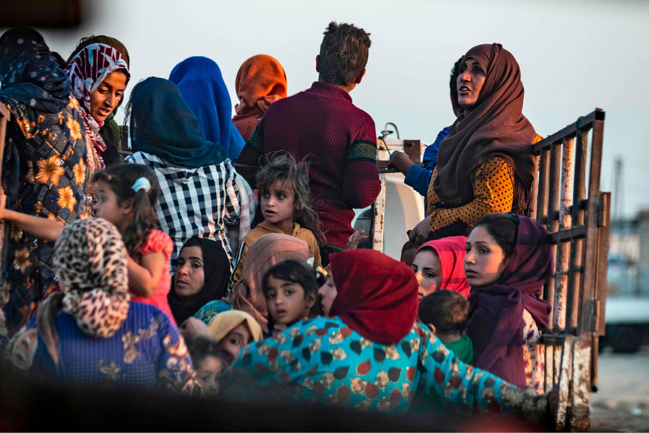 Zehntausende Zivilisten flohen bereits vor den Angriffen.
