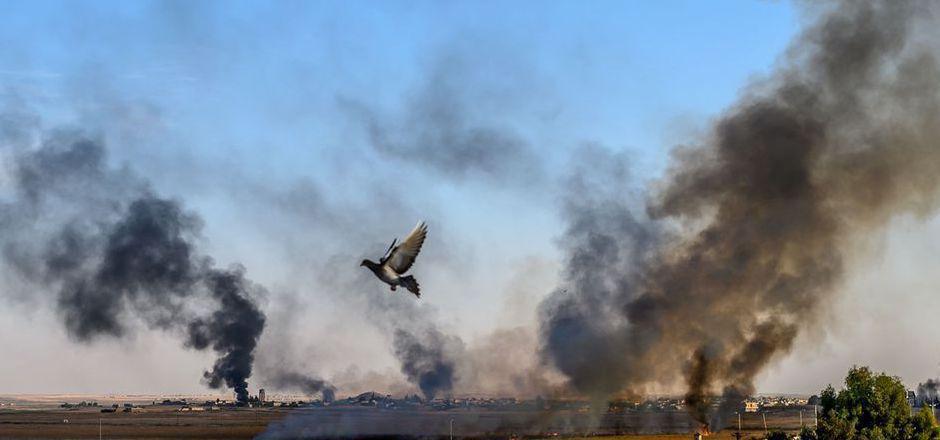 Die Türkei begann ihrern Angriff mit massiv Luftangriffe auf Ziele in im Nordosten Syriens.