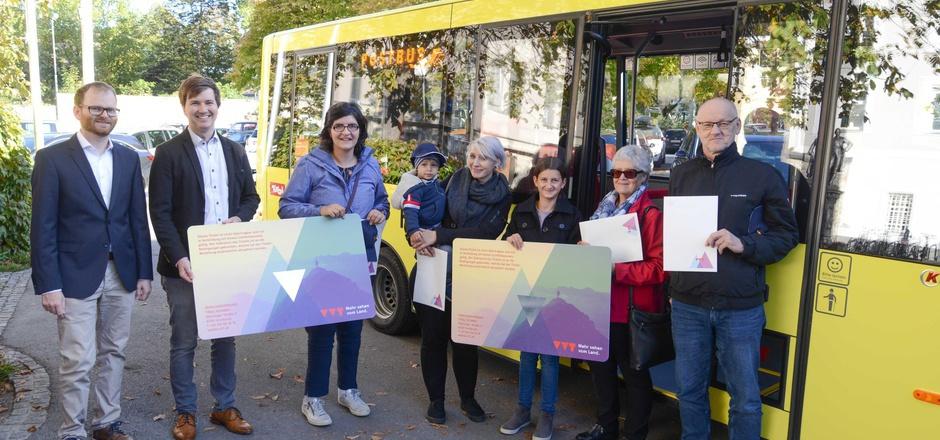 Fünf Jahrestickets für den Regiobus in Amlach, Gaimberg, Lienz, Thurn und Tristach wurden vergeben.