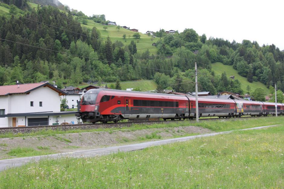 Auf der Arlbergbahnstrecke werden Erhaltungsarbeiten durchgeführt.