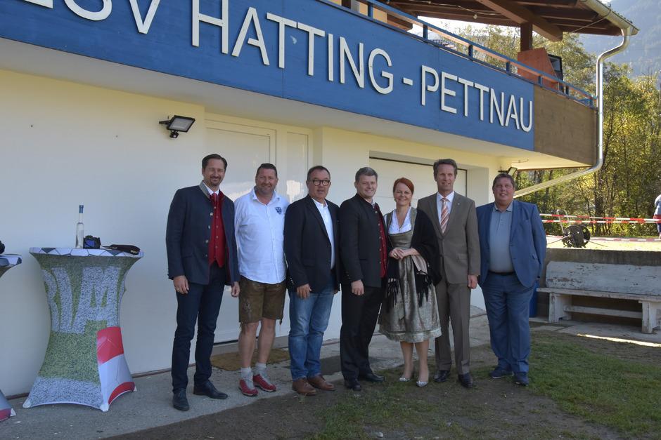 Stolz auf die Kooperation (v.l.): Wolfgang Suitner (TFV), ESV-Obmann Stefan Pittl, Vize-BM Bernhard Brötz (Hatting), BM Martin Schwaninger, LA Cornelia Hagele, BM Dietmar Schöpf und Arno Bucher (TFV).