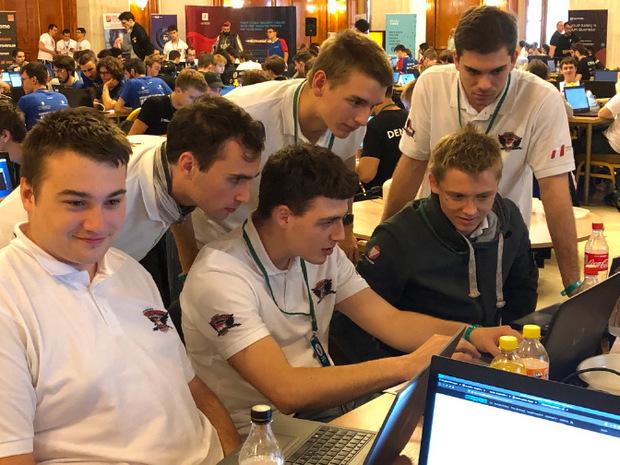 Das Team Österreich am Werk.