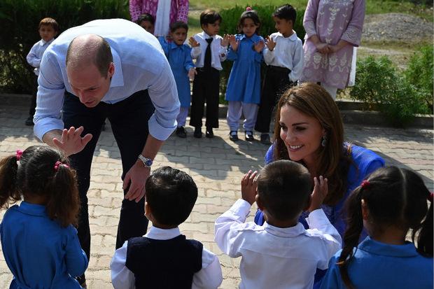 Das royale Paar besuchte eine Schule.