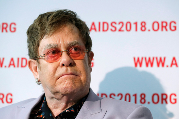 """""""Es war beunruhigend, in seiner Nähe zu sein. (...) Er war geisteskrank."""" Sir Elton John (Musiker)"""