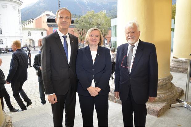 Beim 350-Jahr-Jubiläum: Altrektor Hans Moser (r.) mit dem Uni-Senatsvorsitzenden Walter Obwexer und Vizerektorin Ulrike Tanzer.