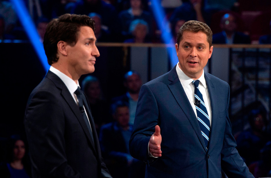 Andrew Scheer (r.) verschärfte die Gangart in der Diskussion gegen Justin Trudeau.