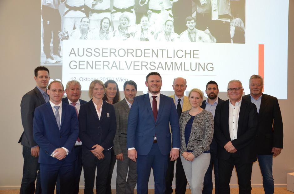 Martin Poiger (M.) wurde kürzlich zum neuen Präsidenten des Österreichischen Judoverbandes gewählt. Er und sein Team müssen nun die WM 2021 rückabwickeln.
