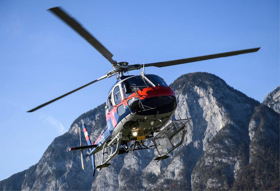 Der neue Landeshubschrauber ist am Donnerstag in Innsbruck eingetroffen.