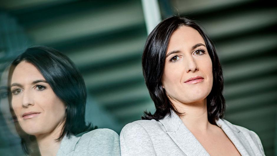 """Nina Horowitz präsentiert ab kommenden Sommer die """"Liebesg'schichten und Heiratssachen"""" im ORF 2."""