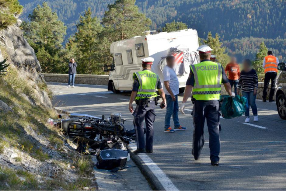 Der Biker wurde lebensgefährlich verletzt.