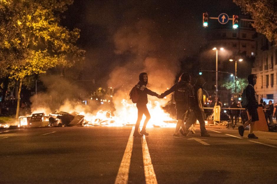 Die Unruhen und teils gewalttätigen Proteste in Katalonien haben auch Auswirkungen auf die Fußball-Liga.