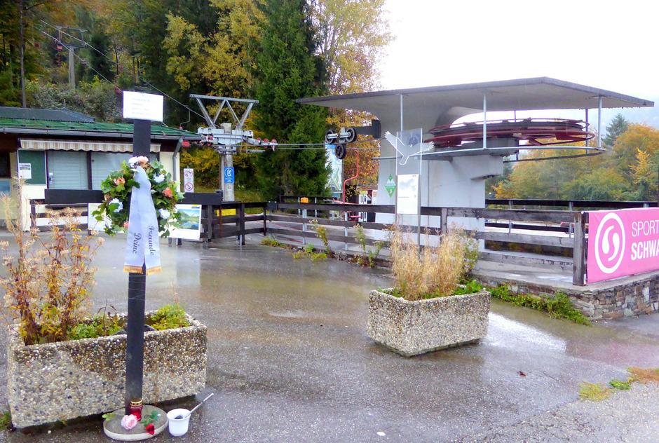 Sonnwendjochbahn: Bekanntlich wurde im März 2017 dem Einsessellift die Konzession entzogen.