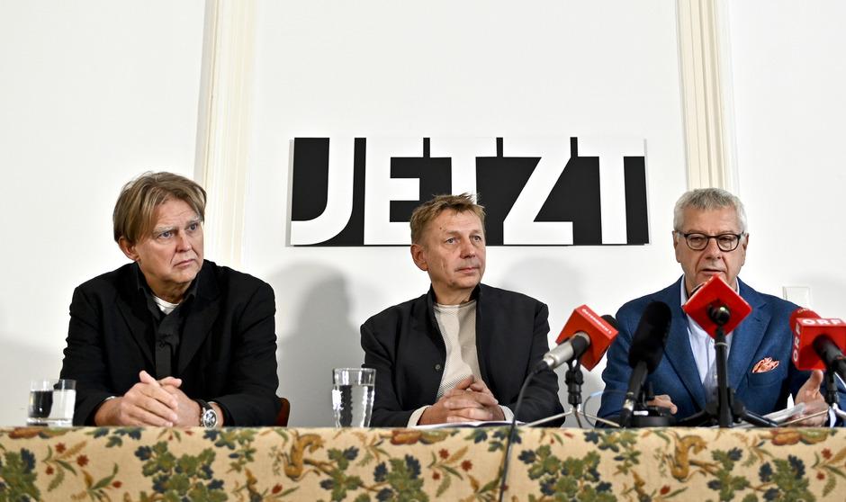 Der Jetzt-Abgeordnete Alfred Noll und die Klubobmänner Wolfgang Zinggl und Bruno Rossmann (v.l.).