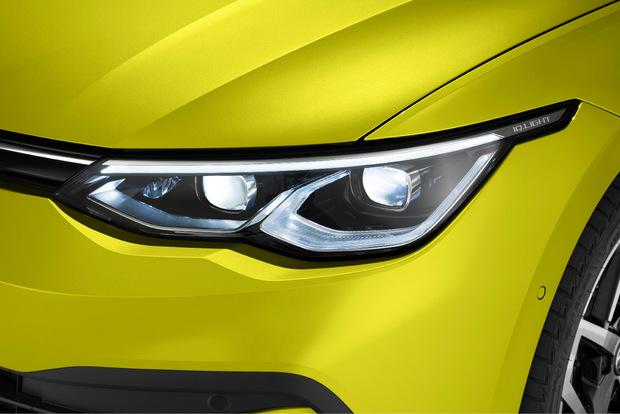 LED-Technik ist beim neuen Golf Serie – der Käufer hat die Wahl zwischen drei Systemen.