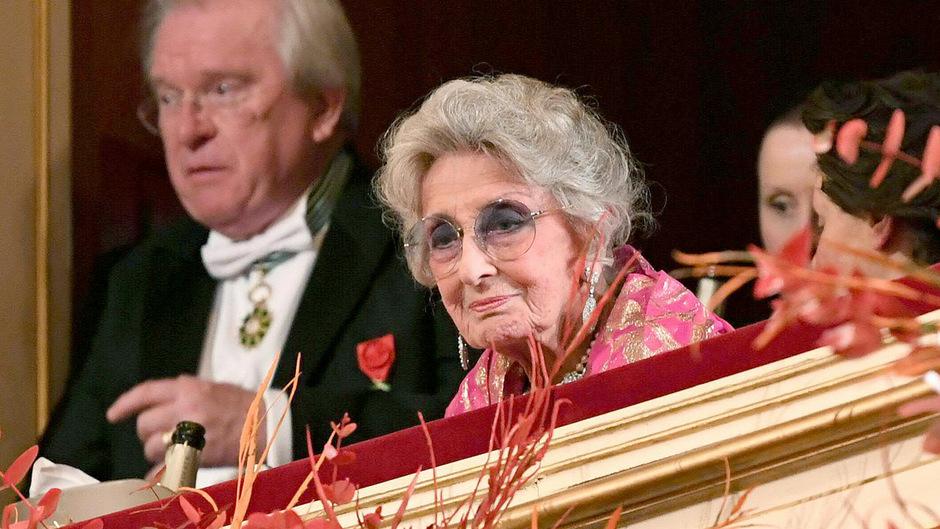 Auch in diesem Jahr besuchte Lotte Tobisch den Opernball.