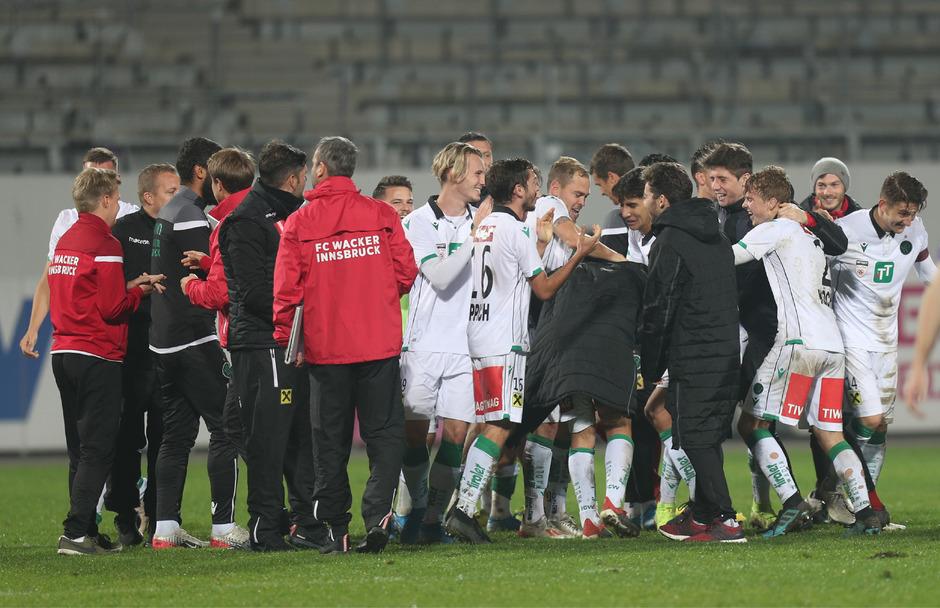 Der erste Auswärtssieg in dieser Zweite-Liga-Saison wurde vom FC Wacker Innsbruck in der Generali-Arena entsprechend gefeiert.