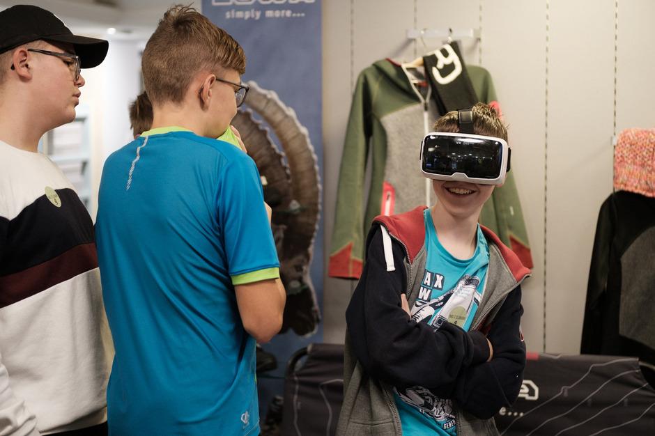 Für die Schüler gab es beim Tag der offenen Betriebstüre viel zu sehen und über die verschiedenen Lehrberufe in der Region zu erfahren.