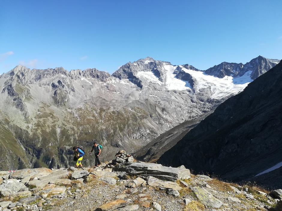 Nicht nur am Floitenkees in den Zillertaler Alpen wird der Gletscherrückgang – und somit der Klimawandel – deutlich sichtbar.