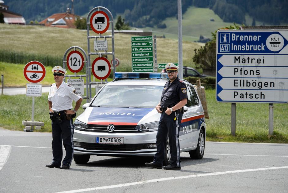 Die über den Sommer temporär verhängten Fahrverbote für den Durchzugsverkehr verschafften der Bevölkerung zumindest kurzzeitig eine Verschnaufpause. Die Kontrollen banden allerdings Polizeiressourcen.