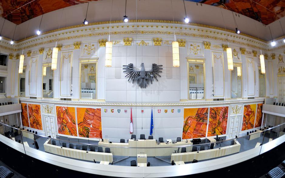 Der Plenarsaal wird am Mittwoch aus dem Dämmerschlaf geholt.