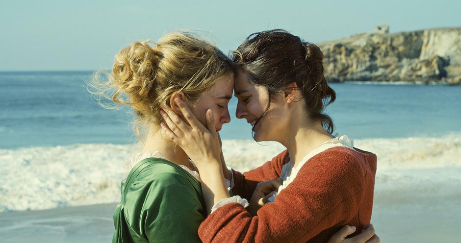 """Malerin Marianne (Noémie Merlant) erkennt ihr Modell Héloïse (Adèle Haenel) in """"Porträt einer jungen Frau in Flammen"""" von Céline Sciamma. Ab 13. Dezember im Kino."""