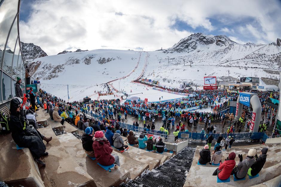 Es geht wieder los mit dem Skizirkus: Um die 30.000 Fans werden zum Weltcup-Auftakt in Sölden dieses Wochenende erwartet.