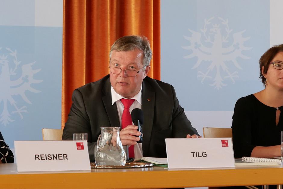 """Bernhard Tilg (Gesundheitslandesrat): """"Wir richten flächendeckend Beratungsstellen ein. Denn die Pflege Angehöriger kommt oft über Nacht."""""""