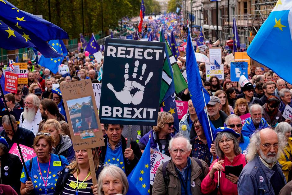 Die Brexit-Gegner scheinen in der britischen Bevölkerung immer mehr zu werden.