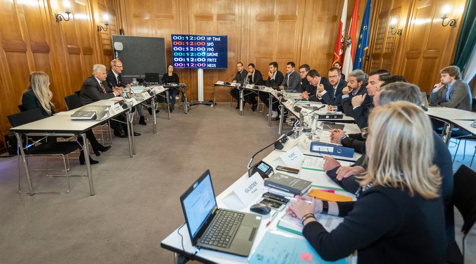 Der U-Ausschuss arbeitete gestern die Zeit vor den TSD auf.