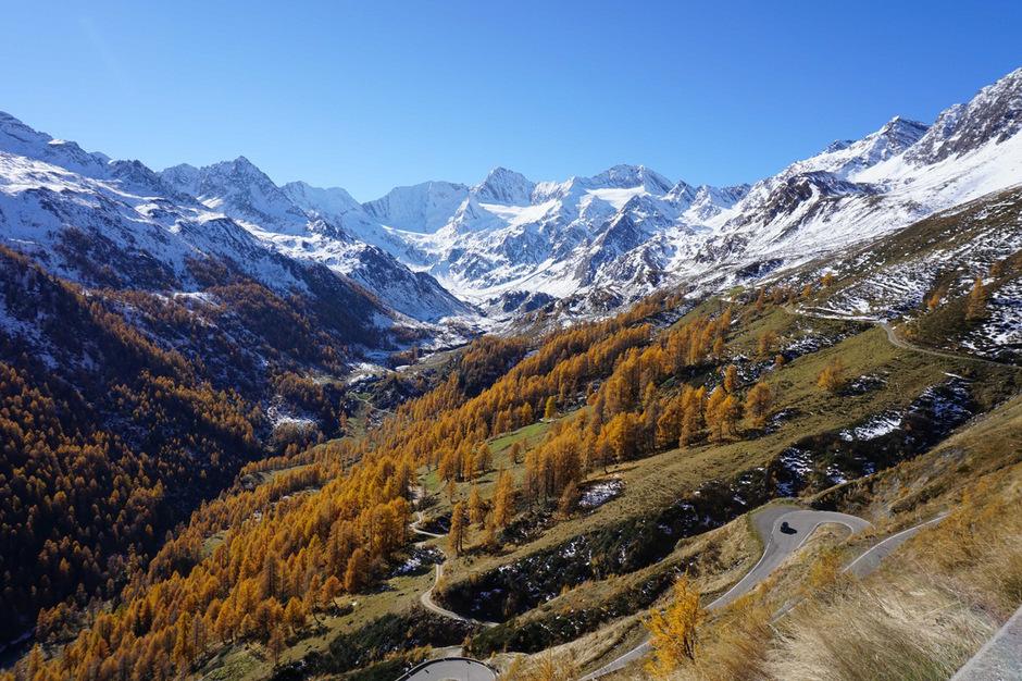 Herbstliche Stimmung am Timmelsjoch auf Südtiroler Seite: Trotz starkem Verkehr blieb man von schlimmen Unfällen heuer verschont.
