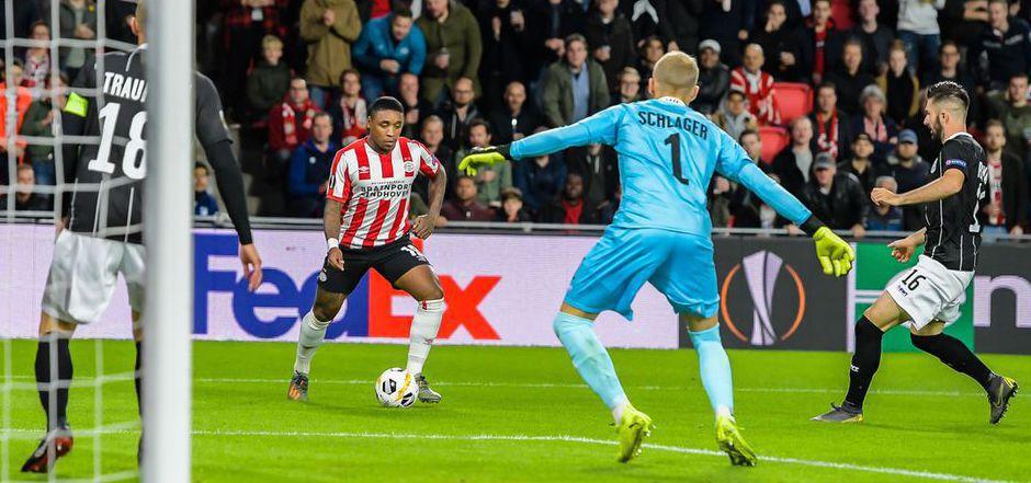 Der LASK um Goalie Alexander Schlager hielt gegen PSV Eindhoven die Null fest - das torlose Remis war der einzige Punkt für die ÖFB-Clubs an diesem EC-Spieltag.