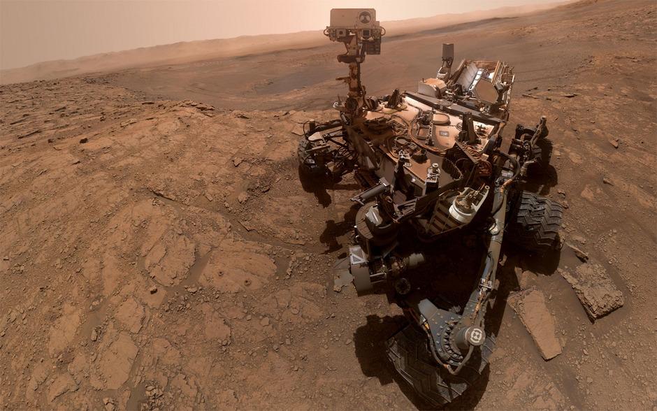 Eine Aufnahme des Mars Rovers - zusammengesetzt aus 57 Einzelfotos.